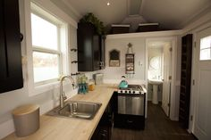 Titan Tiny Homes of South Elgin, Illinois has released an adorable new tiny house model that we're loving! The foot house on wheels is attractive from every angle and has everything you need for comfortable living on the go. Small Tiny House, Tiny House Swoon, Tiny Houses For Sale, Tiny House Plans, Tiny House Design, Tiny House On Wheels, Tiny House France, Tiny House Listings, Tiny House Movement