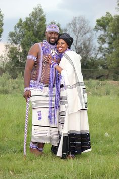Xhosa Wedding ~ In December His Royal Highness Unathi Phathuxolo Mtirara, a member of the AbaThembu Royal family, married a celebrated soprano Nonhlanhla Yende in a traditional Xhosa royal wedding ceremony held in the Eastern Cape. African Traditional Wedding, Traditional Wedding Dresses, Traditional Outfits, Traditional Weddings, Traditional Design, African Beauty, African Women, African Fashion, African Style