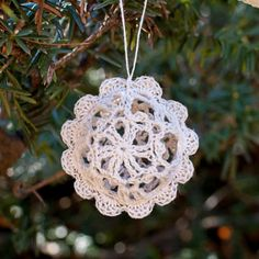 I love the look of lace ornaments on my tree! This year I made some of these pretty lace balls to add ... free pattern and guide, thanks so xox