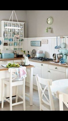 Home Decor Cozy What a fresh take on the white country kitchen! Love teh greige upper wall and white beadboard backsplash.Home Decor Cozy What a fresh take on the white country kitchen! Love teh greige upper wall and white beadboard backsplash. Kitchen Paint, New Kitchen, Vintage Kitchen, Awesome Kitchen, Kitchen Ideas, Kitchen Laminate, Cosy Kitchen, Kitchen Cabinets, Laminate Counter