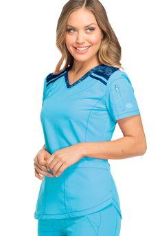 Beauty Uniforms, Scrubs Outfit, Nursing Mnemonics, Medical Scrubs, Spas, Dental, Outfits, Women, Style