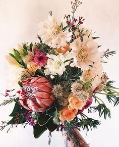 """110 Me gusta, 5 comentarios - A.J. 💋 (@cielo_de_organdie) en Instagram: """"Inspiración ramos de novia de la mano de @petula.rose 🌸🌿 #instagram #inspiration #picoftheday…"""""""