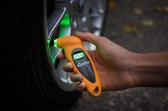 Many people do not know how to read manual pressure gauges and this why many car owners would prefer digital pressure gauges. Most of these products
