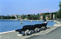 VENEZIA with ZEBRA bench. #Bellitalia #concrete street furniture - arredo urbano