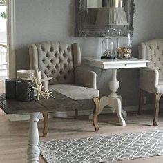 Lekkert med LORD stoler fra @classicliving i det delikate hjemmet til @victoriashus