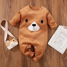 Baby Cute Bear Design Long-sleeve Jumpsuit - My list of the most beautiful baby products Toddler Boy Outfits, Baby Outfits Newborn, Kids Outfits, Family Outfits, Cute Baby Boy, Baby Baby, Baby Sleep, Baby Shoot, Winter Baby Clothes