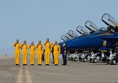 Navy.mil Photos -- Blue Angels Gallery