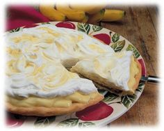 Banana Cream Pizza: This variation of banana cream pie is so good and easy and is always a pleaser. | Fun Family Foods