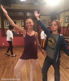 #ZieglerMaddie behind the scenes of Nicky Ricky Dicky and Dawn [01.13.16]