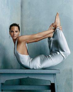 Steven Klein. Vogue US, October 2005 (model: Christy Turlington; dress: Calvin Klein).