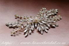 Pretty in Silver color Comb  Bridal crystal  Hair Accessory