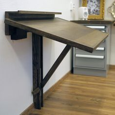 Just found my art table/station for the bus Bureau D'art, Cool Furniture, Furniture Design, Drawing Desk, Art Desk, Entryway Tables, Room Decor, Sweet Home, Interior Design
