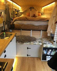 23 Amazing Van Life Interior Ideas For Inspiration! – Deluxe Timber 23 Amazing Van Life Interior Ideas For Inspiration! – Deluxe Timber,Wohnmobil Camper How awesome is this van life interior? Looks so comfy Related. Van Living, Tiny House Living, Van Life, Kombi Home, Camper Van Conversion Diy, Van Conversion Interior, Van Conversion Lighting, Van Conversion Curtains, Ford Transit Conversion