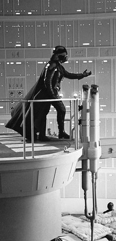Behind the scenes of Star Wars Episode V: The Empire Strikes Back: When Darth Vader revealed his secret to Luke, Mark Hamill was hanging onto a pinnacle above mattresses placed on cardboard boxes about 30 feet off the ground.