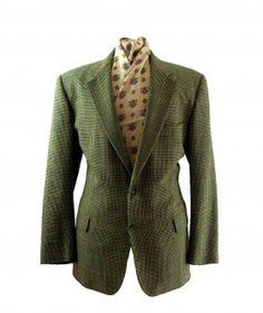 Green tweed Burberry jacket   #vintagebloggers #vintagefashion #vintage #retro #vintageclothing #90s #1990s #vintagejacket #Burberry