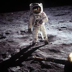 buzz aldrin on the moon GPN-2001-000013.jpg (1350×1350)