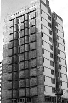 The architect Telésforo Cristofani belongs to the second generation of Brazilian modernism and was a forerunner of interior architecture in Brazil. Designed for example, the memorable restaurant vertical Fasano, in downtown Sao Paulo, which received a Silver Medal at the 8th Biennial.  Among the buildings he designed, the stand out Giselle, who received honorable mention awards in the IAB-SP 1974, and the headquarters of Telesp, both in Sao Paulo.