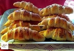 Sváb kifli, a recept nagyon egyszerű, érdemes kipróbálni! - Egyszerű Gyors Receptek Bread Dough Recipe, Ring Cake, Pretzel Bites, Hot Dog Buns, Scones, Cake Recipes, Sausage, Bakery, Food And Drink