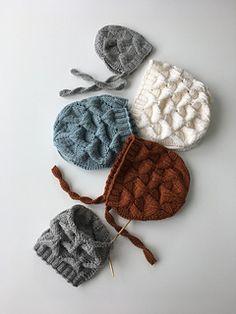 Barnehoder er forskjellige men størrelsene tilsvarer ca mnd og år. Cardigan Pattern, Garter Stitch, Gift List, Baby Knitting Patterns, Knit Crochet, Crochet Earrings, Gifts, Etsy, Ravelry