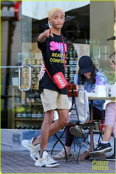 Jaden Smith Says 'I Love You' in Sign Language While Heading to Lunch!