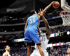 Kevin Durant dunks
