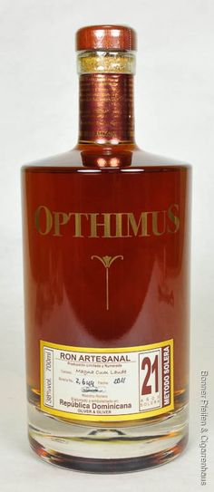Opthimus Rum 21 years old. Dominican rum made with an old Cuban distillation process