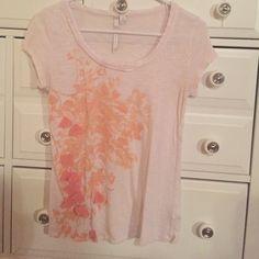 Lauren Conrad White and Peach Top Light material, white, peach, short sleeve Lauren Conrad Tops Tees - Short Sleeve