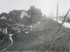 Weesperzijde in 1896, rechts is de Amstel nog te zien