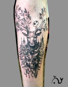 Le tattoo de forêt, cerf et sylvains de Dimitri.