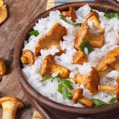 """Funghi finferli: curiosità e ricette con i """"gallinacci"""""""