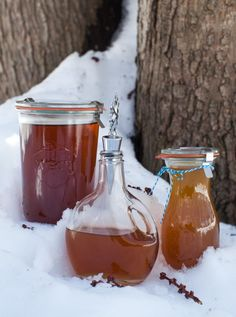 On faith, food, family, and the ups and downs of urban homesteading (Spring harvest: what we're making with our maple syrup) Homemade Maple Syrup, Maple Shade, Jamie Oliver, Food Gifts, Spring Time, Preserves, Harvest, Alcoholic Drinks, Canning