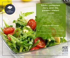 """Okres wiosenno-letni to idealny czas na przygotowywanie orzeźwiających, zdrowych i pożywnych sałatek. W ramach cyklu """"Jedz sezonowo"""" przedstawiamy Wam przepis na jedną z nich. Połączcie rukolę z serem feta, granatem, oliwkami i pomidorkami cherry. Smacznego!   #ageless #wiecznamlodosc #salatka #oliwki #rukola #feta #granat #cherry www.ageless.pl"""