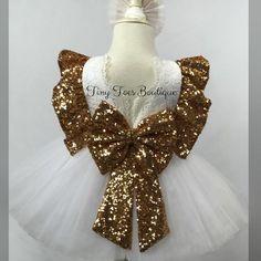 Girls white and gold sequin dress princess dress fluffy Fancy Dress, Pink Dress, Flower Girl Dresses, Royal Dresses, Lovely Dresses, Francescas Dresses, Gold Sequin Dress, Pink Sequin, Christening Gowns Girls
