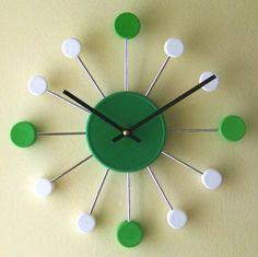 Riciclo dei tappi di plastica - Orologio
