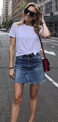 street style addict: t-shirt + bag + denim skirt