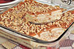 Aprenda esta receita de pavê de amendoim com doce de leite, que é prático de fazer e fica uma delícia para a sobremesa do final de semana!