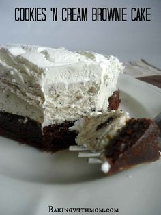This cookies n cream brownie cake is made with ice cream, caramel and brownie to make a great dessert.
