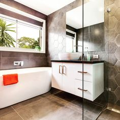 A bathroom with pizazz!  Add a splash of colour to really make a bathroom POP! 10 Dalvista Court #Werribee  Credit to @snapmediagroup for the pic #localhomestaging #homestaging #homestyling #styling #staging #bathroom #hexagonal #tile #realestatephotography #realestatemarketing #realestate