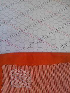 Puntades: Bordado en tul Tambour Embroidery, Types Of Embroidery, Embroidery Stitches Tutorial, Embroidery Techniques, Needlepoint Stitches, Needlework, Lace Drawing, Bobbin Lace Patterns, Swedish Weaving