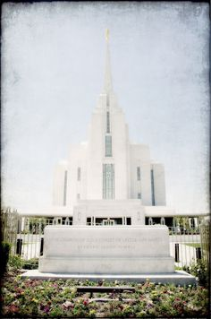 Free pictures of the Rexburg, Idaho LDS Temple    Find more LDS inspiration at: www.MormonLink.com