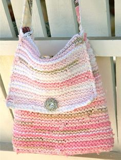 Cute, knit, t-shirt bag!