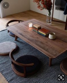 Ideas For Floor Seating Living Room Diy Apartment Therapy Japanese Dining Table, Low Dining Table, Dining Set, Low Coffee Table, Low Tables, Dining Rooms, Japanese Interior Design, Home Interior Design, Japanese Home Decor