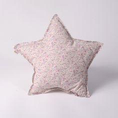 Coussin étoile Liberty fleurs