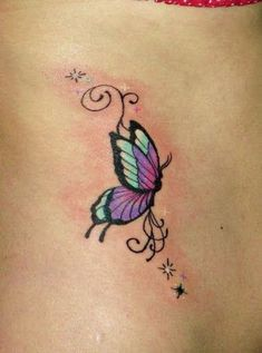 Meaning of butterfly tattoos and pictures of cute and small Butterfly Tattoo designs and images for on the wrist, shoulder, foot or lower back. Butterfly Tattoos Images, Colorful Butterfly Tattoo, Butterfly Wrist Tattoo, Butterfly Tattoo Designs, Tattoo Designs For Girls, Tattoo Designs And Meanings, Tattoo Sleeve Designs, Tattoo Images, Dragonfly Tattoo