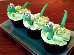 Dinosaur cupcakes are dino-mite! Dinosaur cupcakes are dino-mite! Dinosaur Cupcake Cake, Dino Cake, Dinosaur Birthday Cakes, Dinosaur Party, Cupcake Cakes, 3rd Birthday, The Good Dinosaur Cake, Dinosaur Cakes For Boys, Birthday Ideas