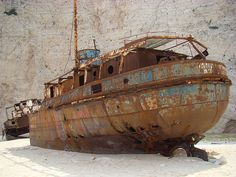 Barcos abandonados y naufragios, fotos increíbles  #barcos #fotografia #amazing
