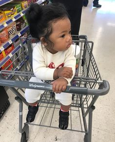 This girllllll is so freakin cute 😜😜😜 Cute Mixed Babies, Cute Black Babies, Beautiful Black Babies, Cute Little Baby, Pretty Baby, Beautiful Children, Cute Babies, Asian And Black Babies, Lil Baby