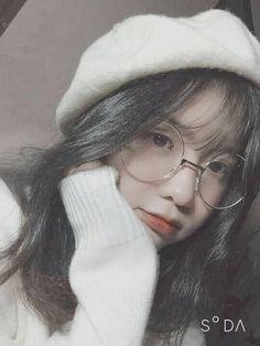 Ulzzang Korean Girl, Cute Korean Girl, Cute Asian Girls, Beautiful Asian Girls, Cute Girls, Uzzlang Girl, Hey Girl, Girls Tumblrs, Girl Pictures