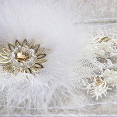 Свадебный пояс. Выполнен на ленте из органзы, украшен асимметричным цветком из перьев, аппликацией из кружева и вышивкой жемчугом, пайетками, стразами Сваровски. Приобрести пояс: antoshka-13.livemaster.ru #wedding #weddingdress #lavkacraft #самара #ручнаяработаназаказ #ручнаяработа #свадьба #свадебныйпояс #свадебныеплатья #невеста #поясадляневест #жемчуг #кружево #lace #handmade_fifi #handmade_myideas #handmade #вечерниеплатья