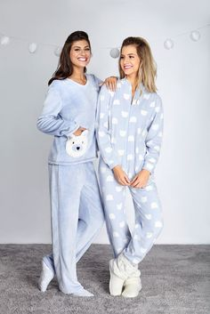 cute idea for friends or sisters or cousins or whoever lol but totally cute! Cute Sleepwear, Lingerie Sleepwear, Nightwear, Cute Pjs, Cute Pajamas, Pajama Outfits, Casual Outfits, Pyjamas, Ropa Interior Babydoll